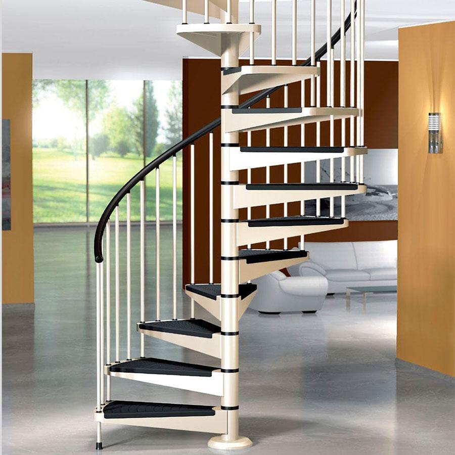 Cầu thang xoắn ốc là một dạng cầu thang có các bậc cấp từ dưới lên và xoay quanh trục có phương thẳng đứng.