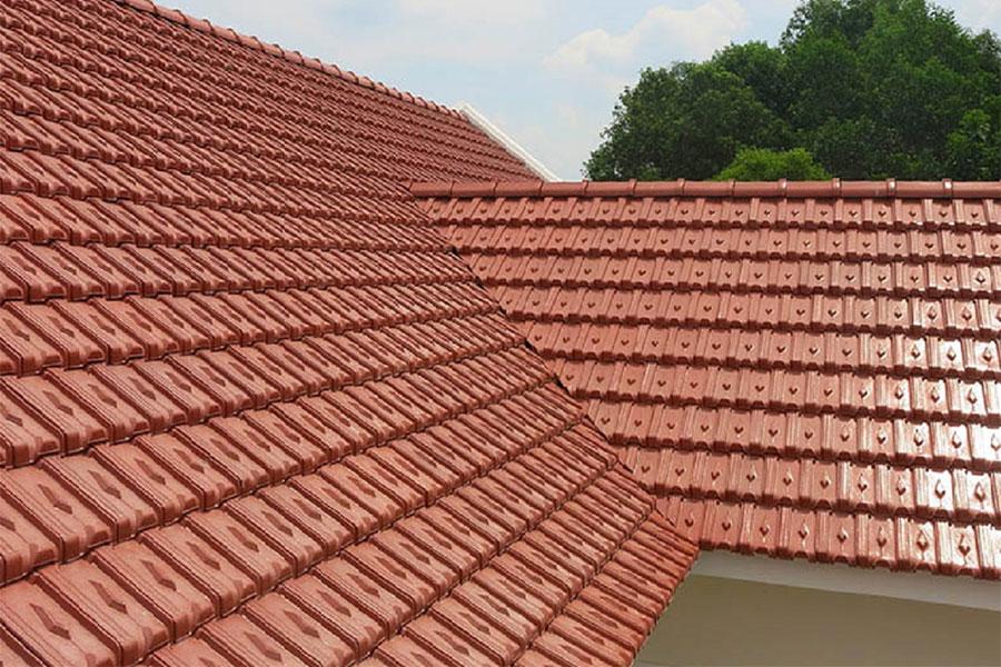 Mái ngói được làm từ chất liệu đất nung, xi măng, ngói thái, đem lại tính thẩm mỹ cao cùng tính năng chống thấm, chống nóng hiệu quả