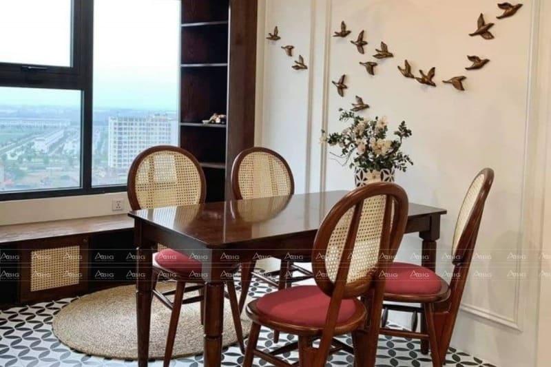 gạch lát nền và nội thất toát lên vẻ đẹp văn hóa châu á thời trước