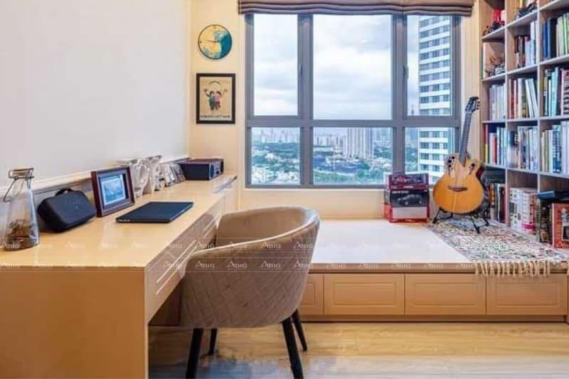 giường kệ sách và bàn làm việc được thiết kế thành một khối trong phòng ngủ