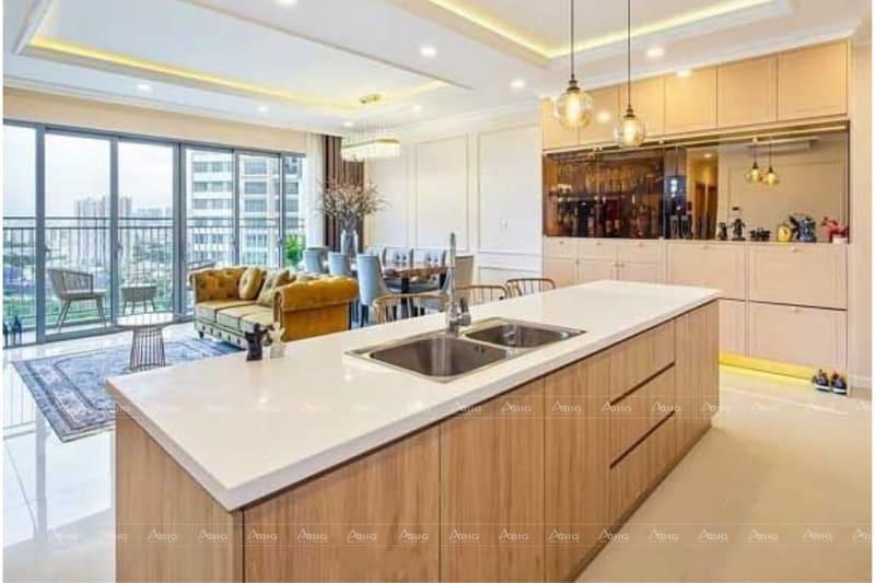 không gian bếp được thiết kế sang trọng rộng rãi