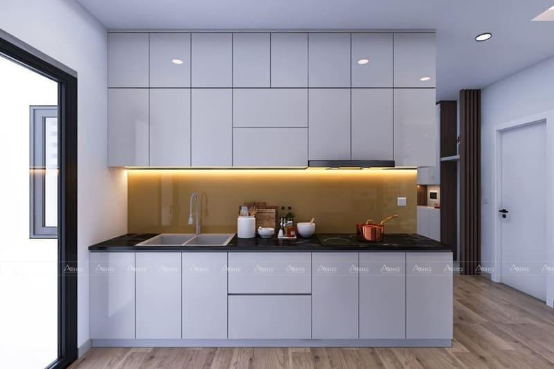 không gian bếp được thiết kế với tone màu trắng chủ đạo