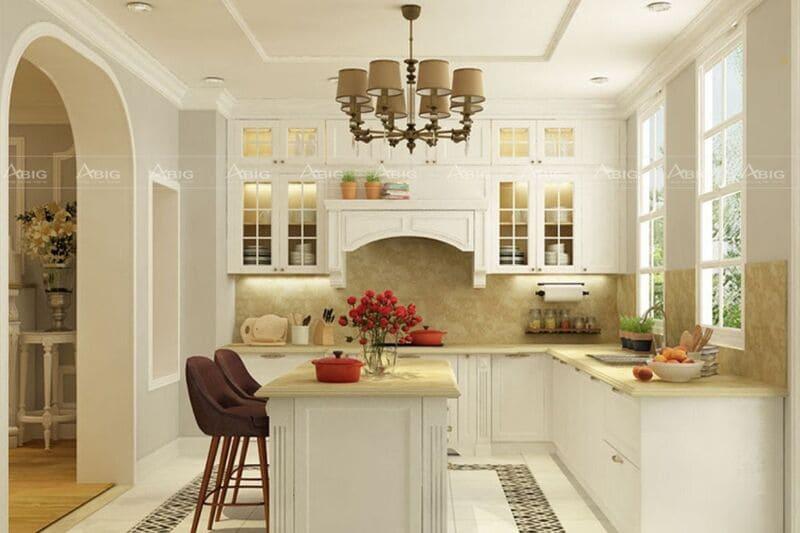Các chi tiết trang trí sang trọng được bày trí cầu kì trong không gian phòng bếp