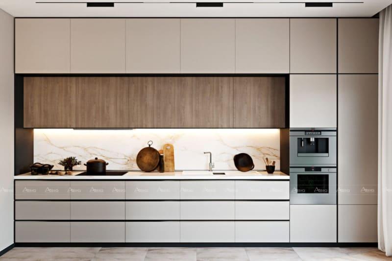 Hệ thống tủ kệ bếp và các vật dụng được bố trí khoa học với màu sắc nhã nhặn