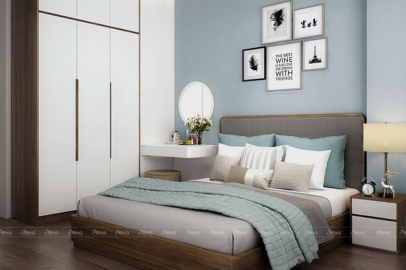 Phòng ngủ là nơi nghỉ ngơi nên không lắp đặt quá nhiều ánh sáng. Tận dụng những vật trang trí nhỏ để không gian trở nên lãng mạn.