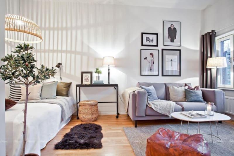 Điểm nổi bật của không gian chính là sử dụng màu sắc nhẹ nhàng cùng nội thất đơn giản khiến căn phòng trở nên tươi sáng..