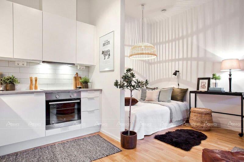 Phòng bếp được phân tách với phòng ngủ bằng bức tường nhỏ